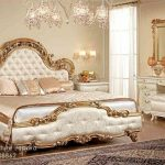 Set Kamar Mewah Putih Emas
