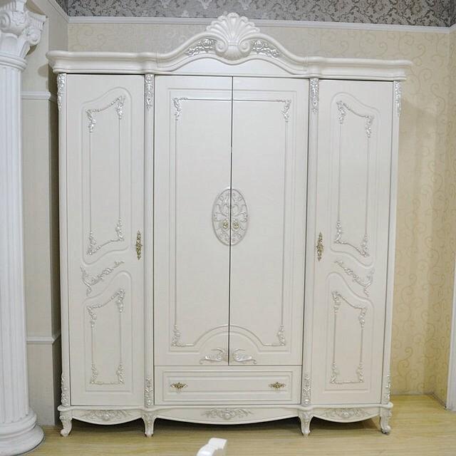 Lemari Pakaian 4 Pintu Klasik