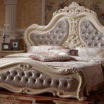 Tempat Tidur Klasik Duco
