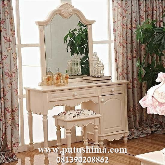 Meja Rias Mewah Klasik Putih