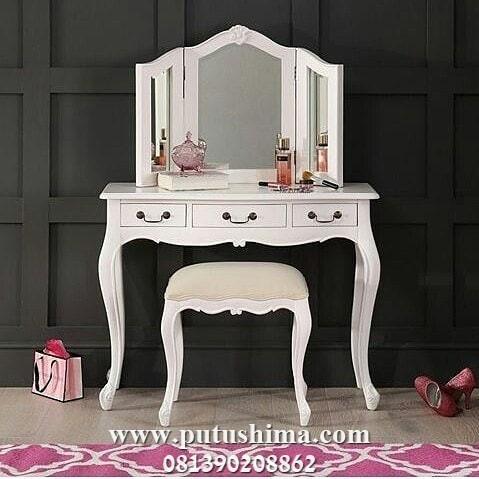 Meja Rias Putih Kupu-kupu