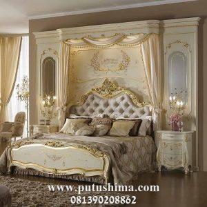 Tempat Tidur Mewah Putih Emas