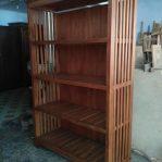 Lemari Buku Perpustakaan dari Kayu Jati
