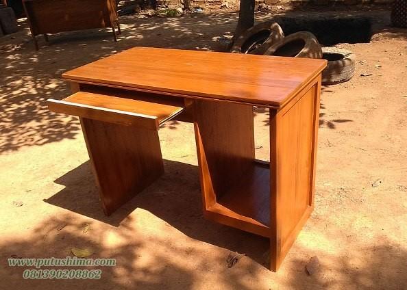 Meja Komputer Jati dari kayu jati