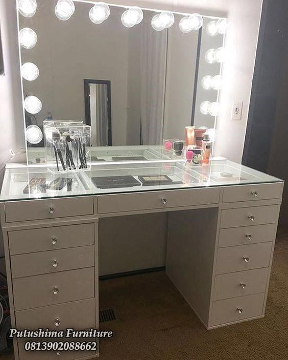 Meja Rias Lampu Minimalis Warna Putih