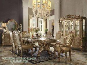 Interior Ruang makan Gold Classic