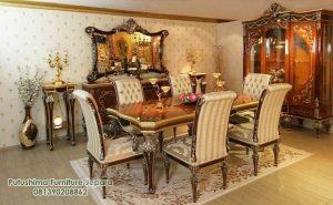 Interior Ruang makan Jati Mewah