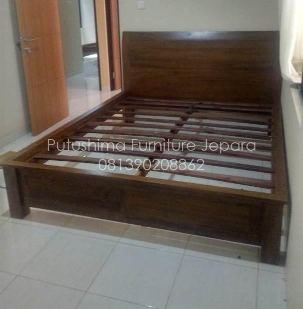 Jual Tempat Tidur Jati queen 160x200